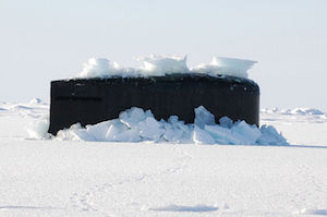 800px-US_Navy_110326-N-7058E-029_USS_Connecticut_(SSN_22)_surfaces_through_the_ice_in_the_Arctic_Ocean_during_Ice_Exercise_(ICEX)_2011.jpg